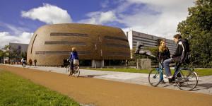 Zernikeborg (Rekencentrum CIT) van de RuG. Zernike, Groningen